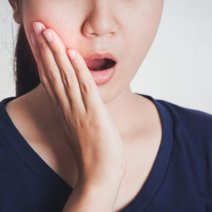 14 Ways to Ease Jaw Pain