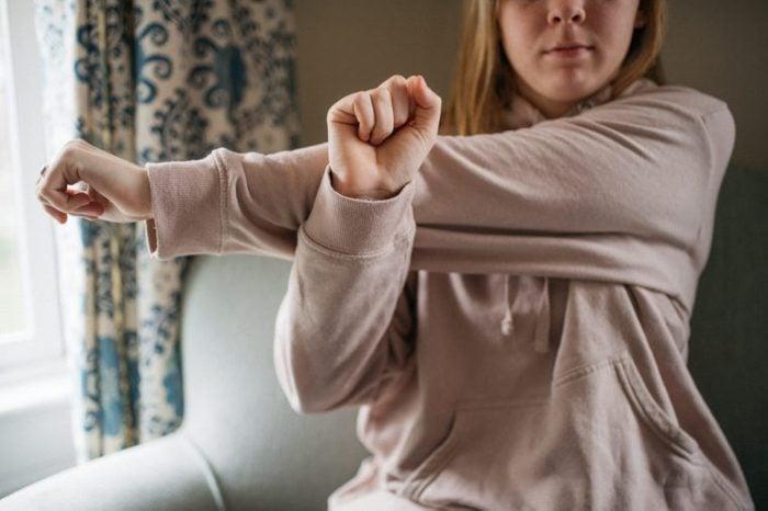 left shoulder stretch