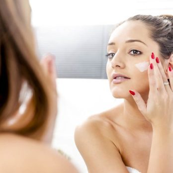 27 Tricks for Naturally Glowing Skin (No Makeup or Expensive Products Required!)