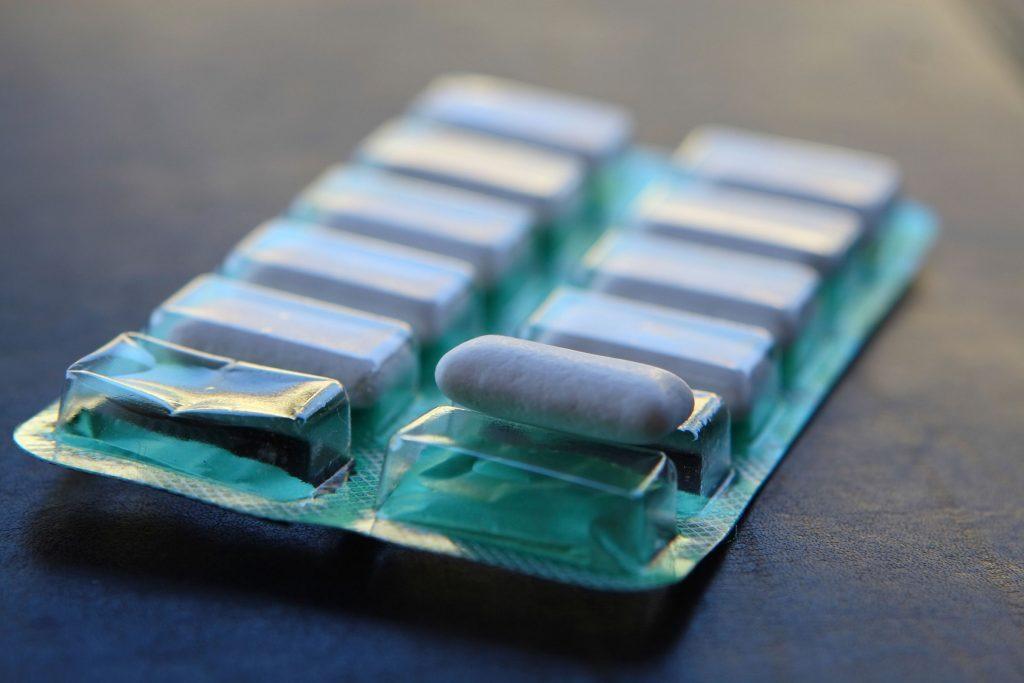 packet of white gum