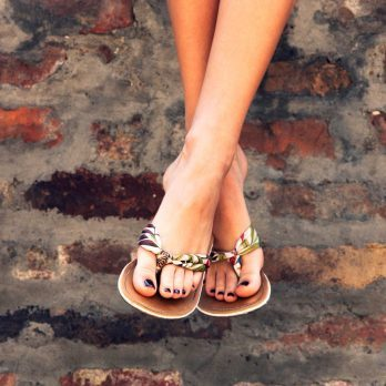 11 Scary Reasons Why You Should Never, Ever Wear Flip-Flops