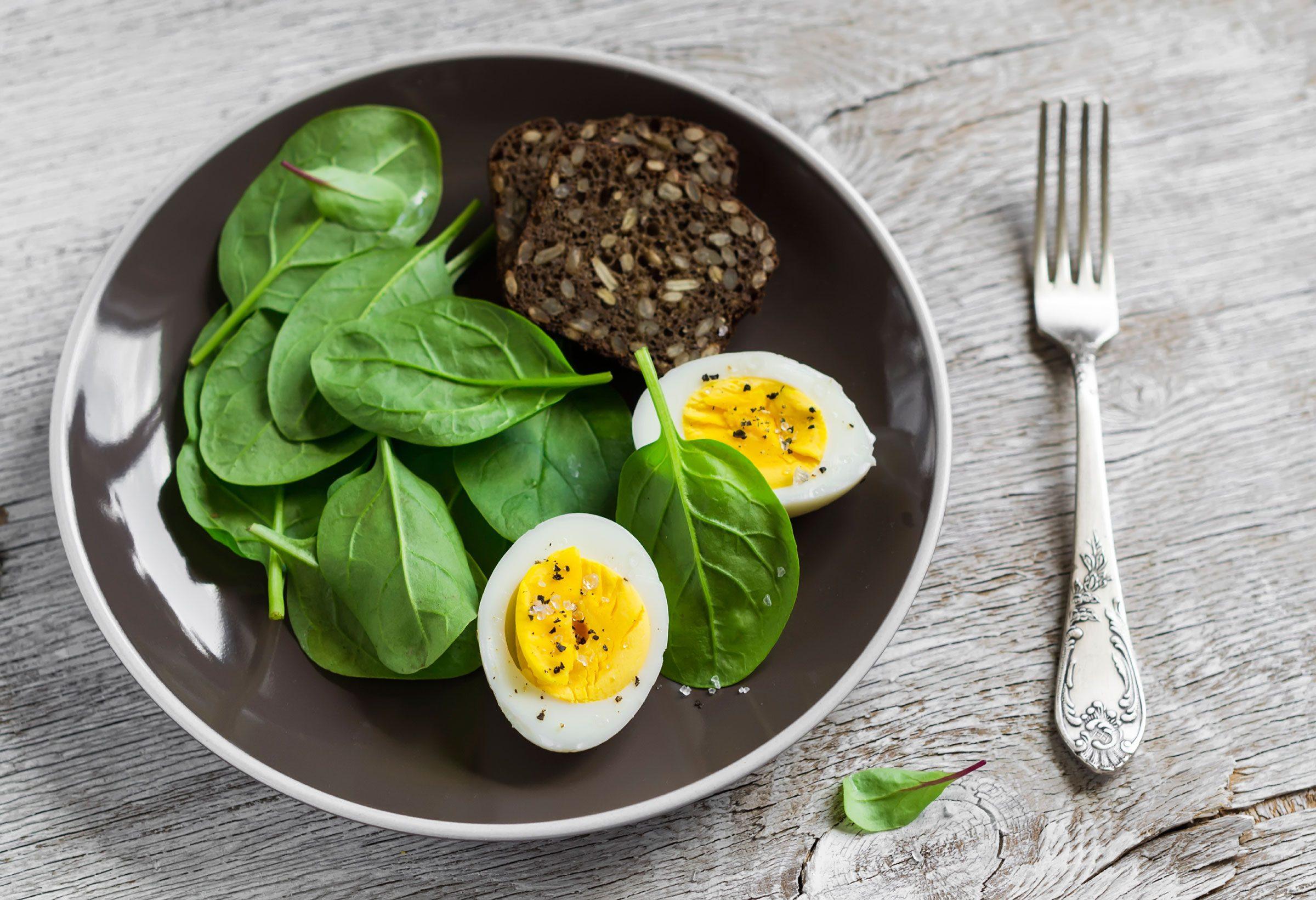 spinach with eggs and bran muffin