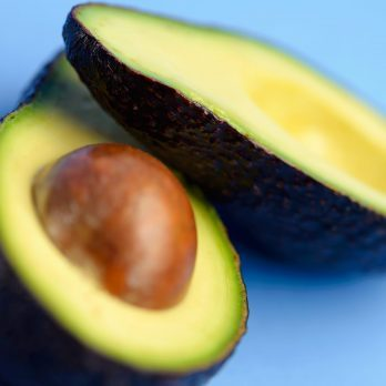 7 Powerhouse Benefits of Avocado You Didn't Know About