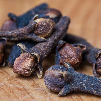 Benefits of Cloves: A Natural Remedy for Tooth Pain