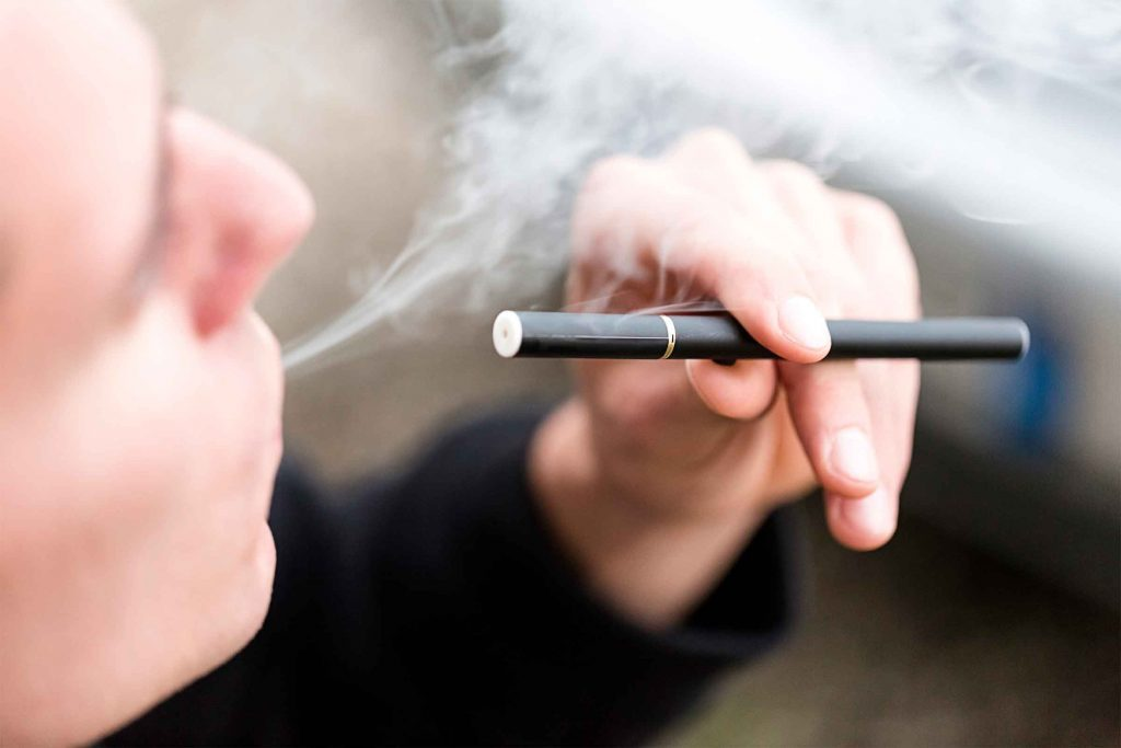 E-cigarettes Side Effects: How E-cigs Affect Your Body | The