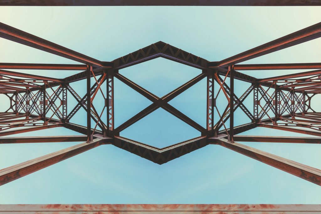 Top view of a symmetrical bridge.