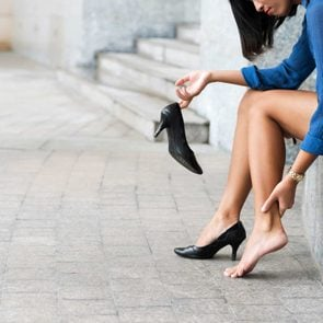 03_ways_alleviate_bunion_pain_without_surgery_high_heels_hours_DragonImages