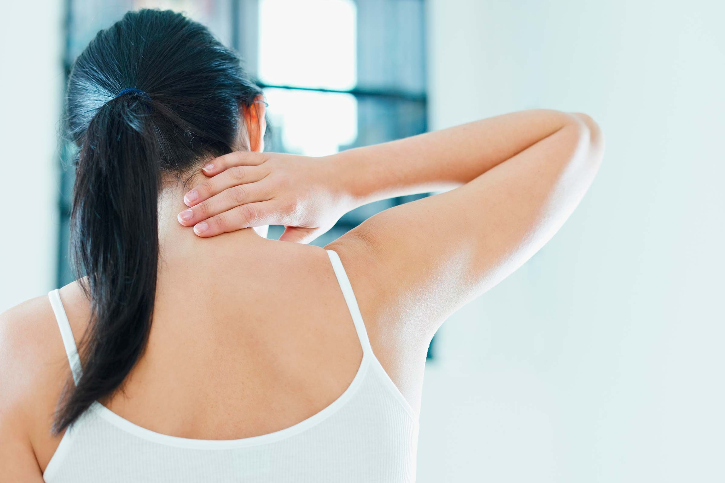 Stiff Neck Home Remedies That Really Work | The Healthy