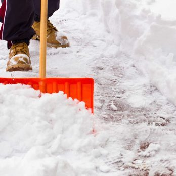 9 Things Doctors Wish You Knew About Shoveling Snow