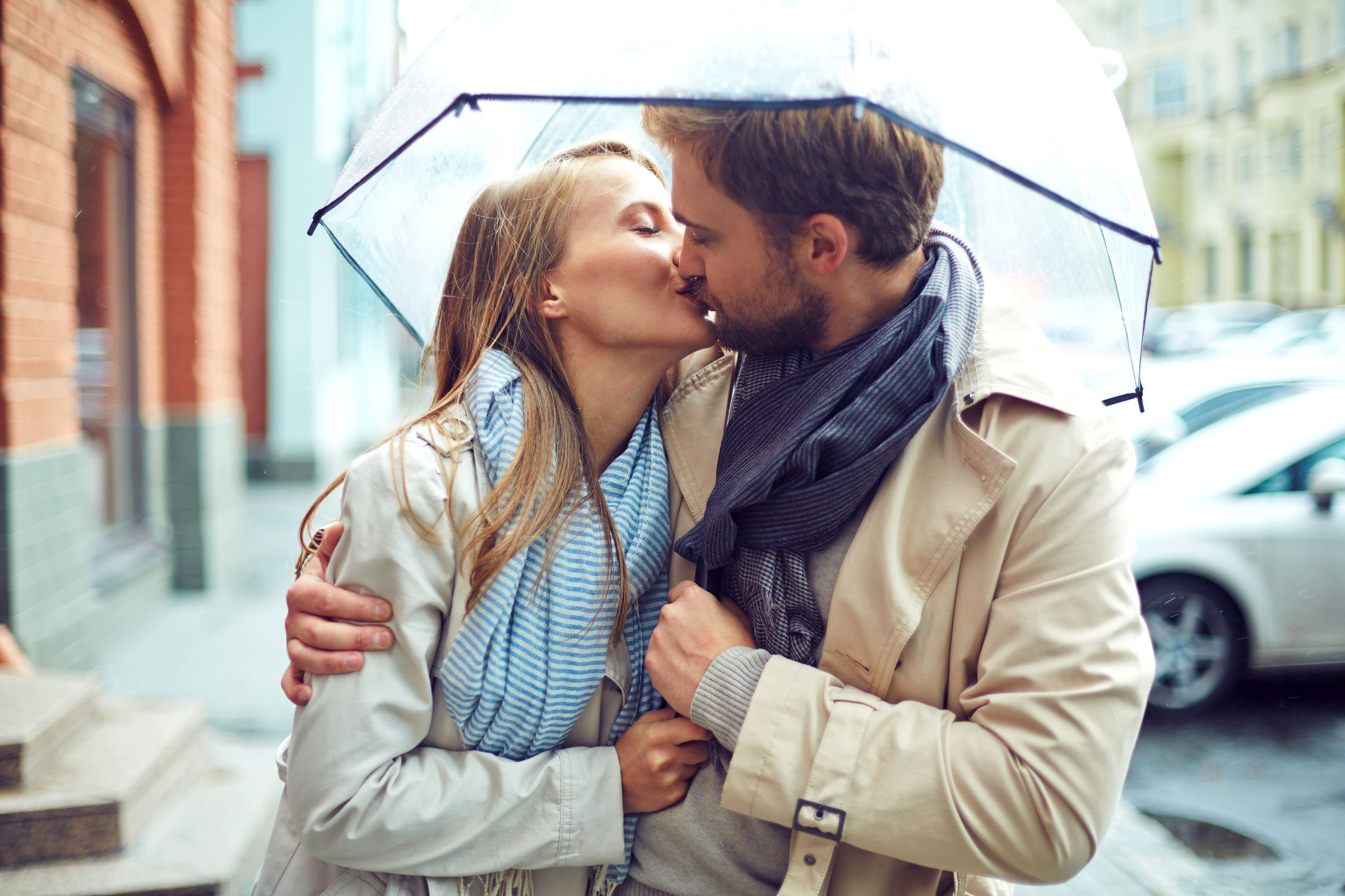 Someone kissing throat sore new after Mononucleosis