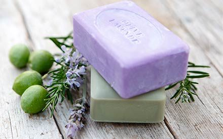 Does Bar Soap Really Hold Onto Germs?