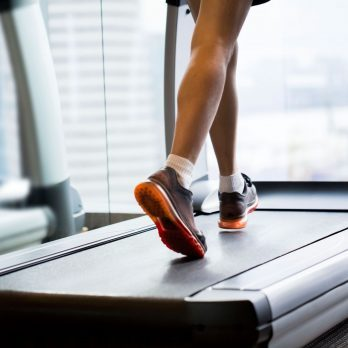 9 Terrible Treadmill Mistakes that Make Trainers Cringe