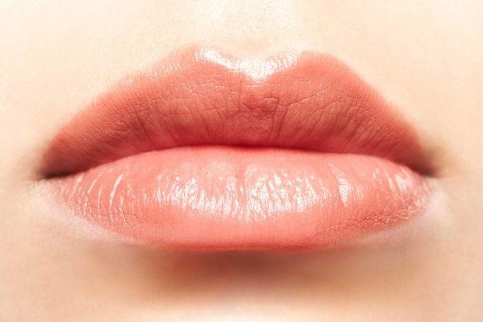 Natural, glossy lips