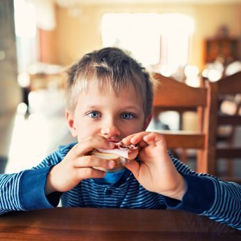 7 Signs Your Child Has a Food Sensitivity
