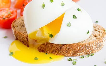 A Professional Chef Reveals the 5 Secrets to Poaching an Egg Perfectly