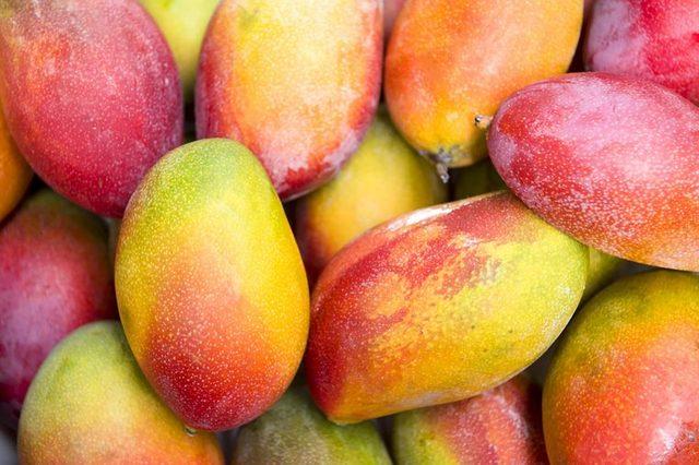 whole raw mangoes