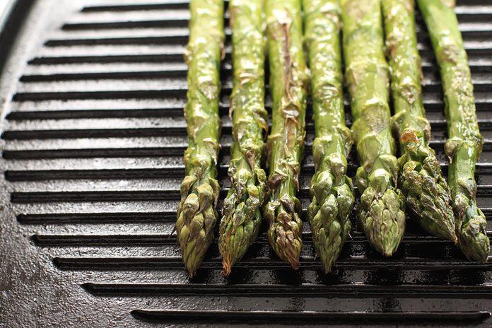 asparagus tips on a grill