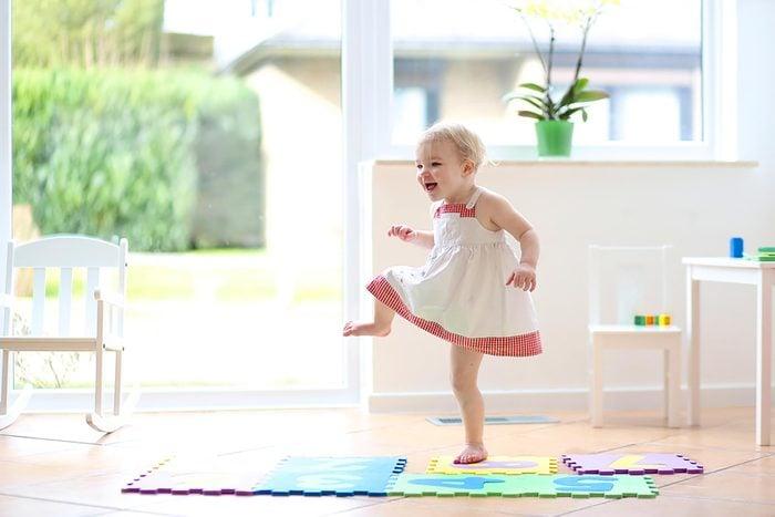 childdancing