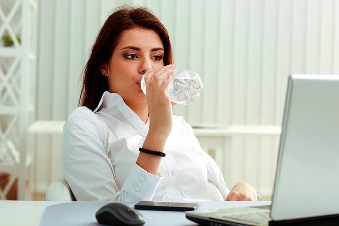 womandrinkingwater