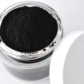 Does-Activated-Charcoal-Live-upt-to-the-hype