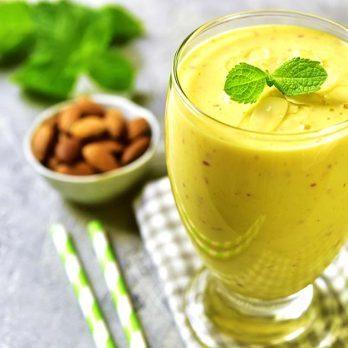 5 Irresistibly Delicious Paleo Smoothies Even Non-Dieters Will Love