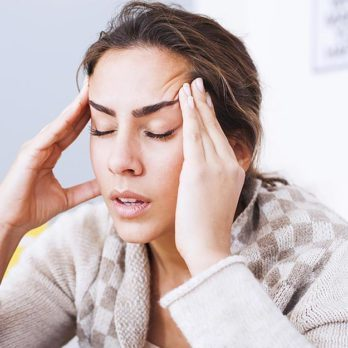 16 Signs Your Headache Could Be Something Way Worse