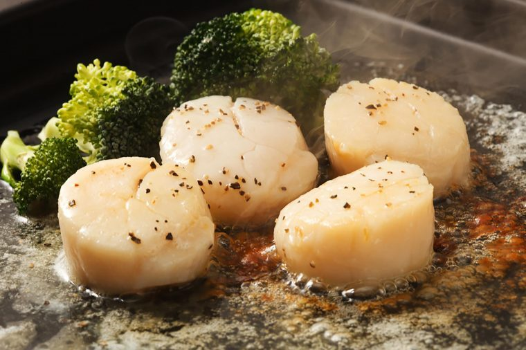 Cooked scallops.