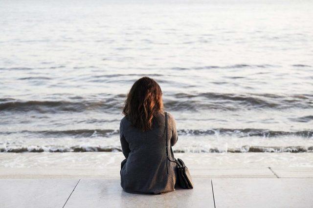 woman watching the ocean