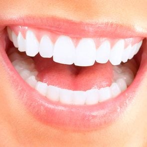 03-teeth-Unexpected-Beauty-Treatments-You-Can-Get-On-Your-Lunch-Hour-96904810-kurhan