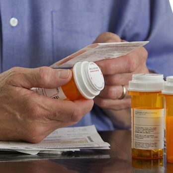 10 Signs You're Taking Too Many Prescriptions