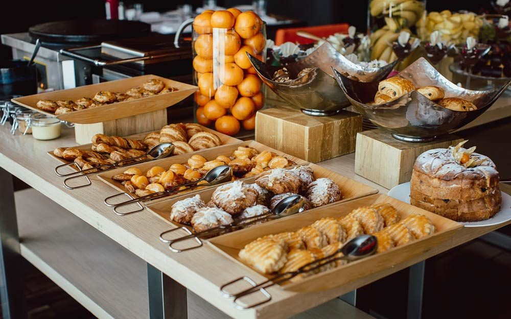This Is the Only Thing You Should Be Eating at Your Hotel's Continental Breakfast