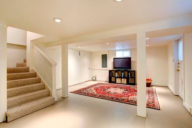 08-basement-Don't Let Your Home Make Your Fall Allergies Worse_212257003-Artazum