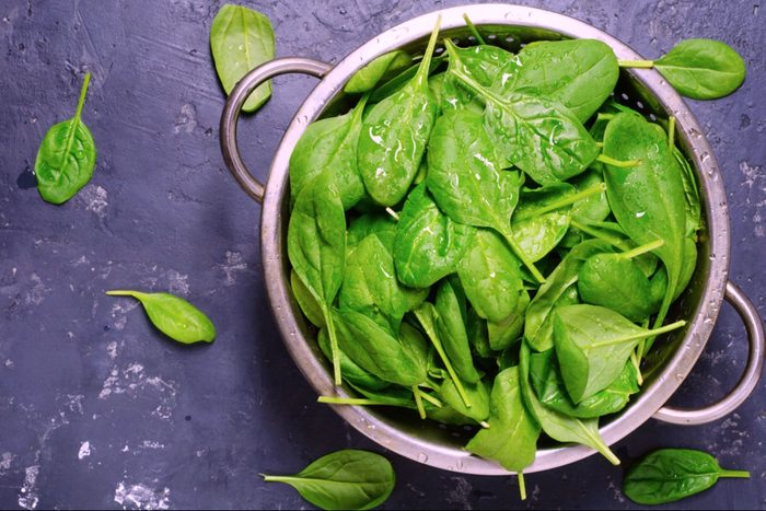 08-spinach-Fruits and Vegetables that Taste Best in the Fall_529476658-Djero Adlibeshe