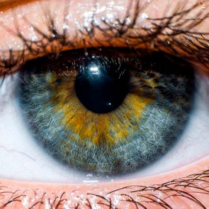 Simple Habits That Protect Your Eyes