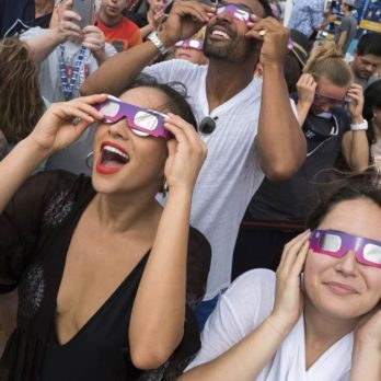Here's How to Tell If Watching the Eclipse Damaged Your Eyes