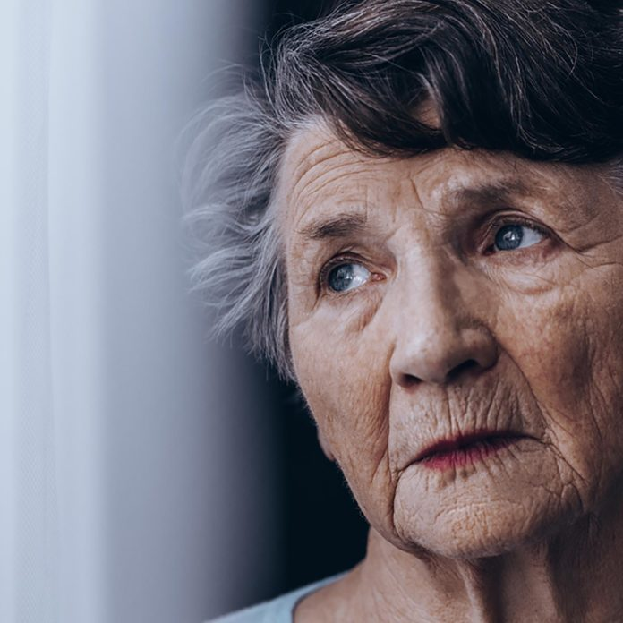 This Is the Difference Between Dementia and Alzheimer's