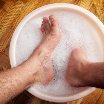 These Are the Best Essential Oils to Combat Smelly Feet
