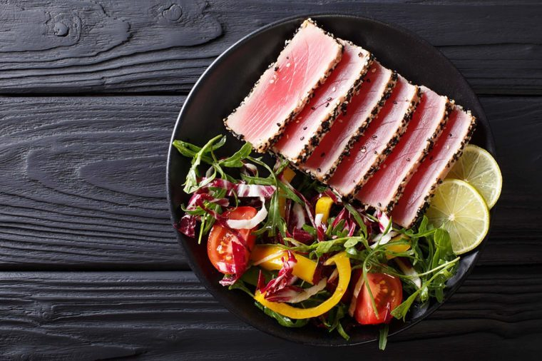 Tuna slices with salad