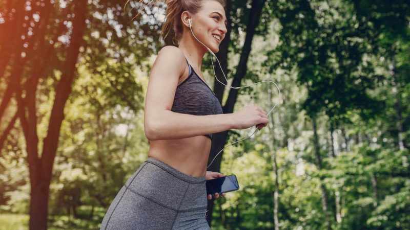 This-One-Workout-Can-Cut-2-Inches-Off-Your-Waist—Fast_435932638_Oleggg