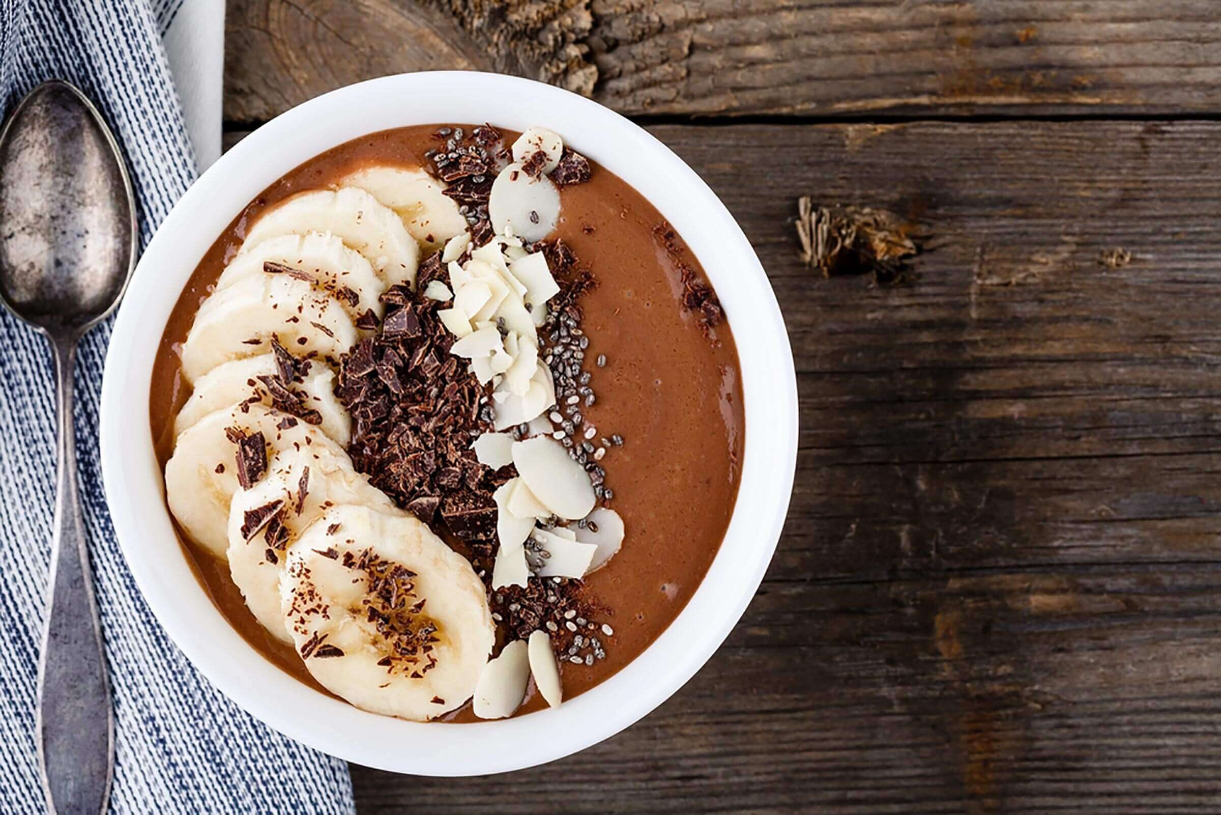 smoothie bowl with banana
