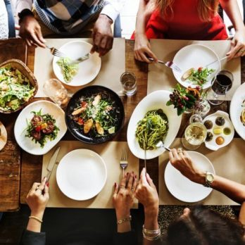 9 Meal Tricks Every Diabetic Should Follow to Survive Holiday Dinners
