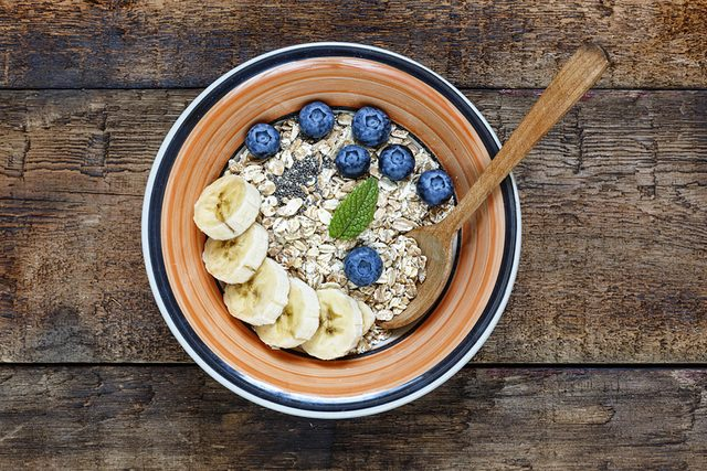 oatmeal granola bananas and blueberries