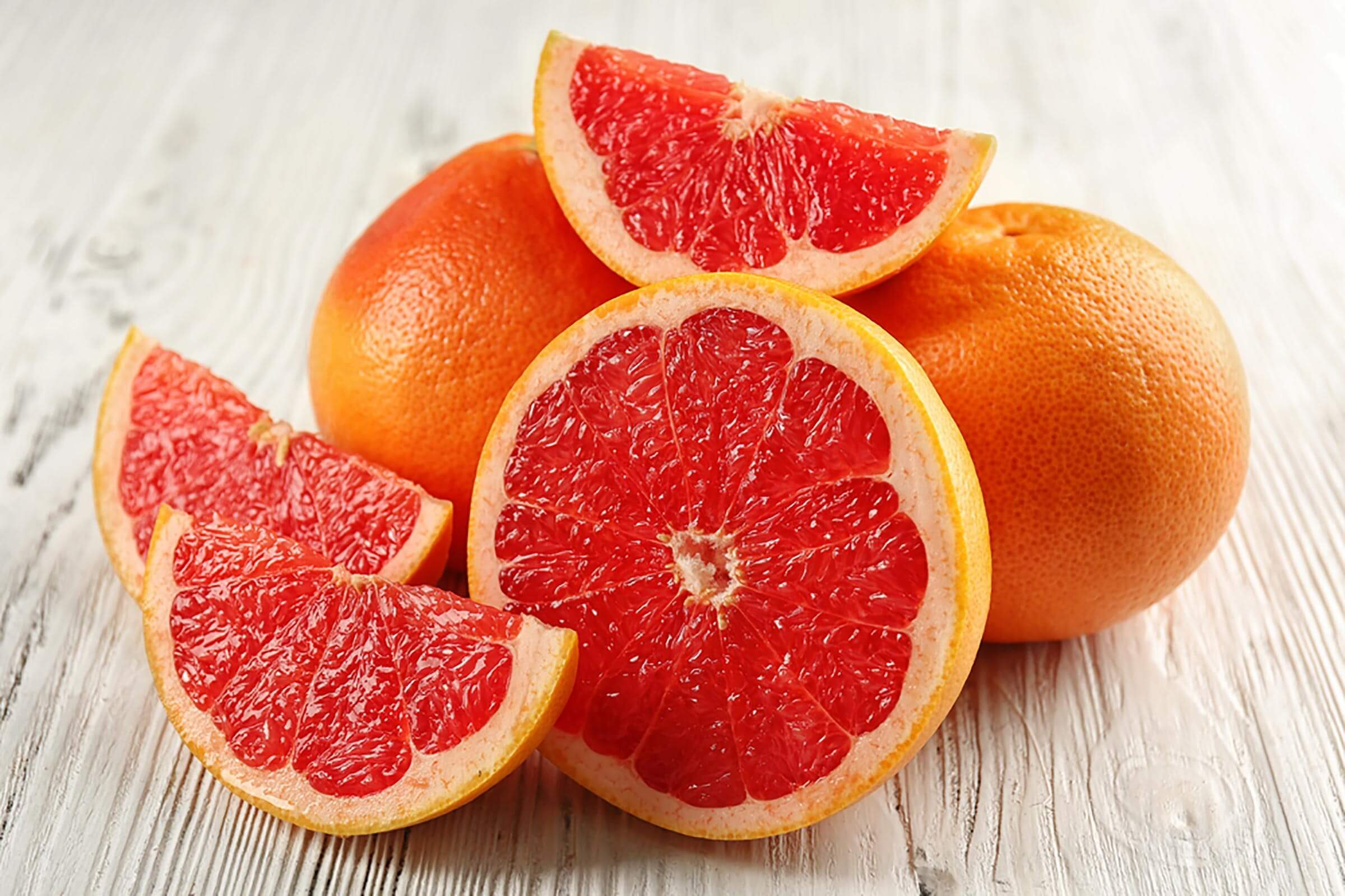 Whole grapefruit, grapefruit slices