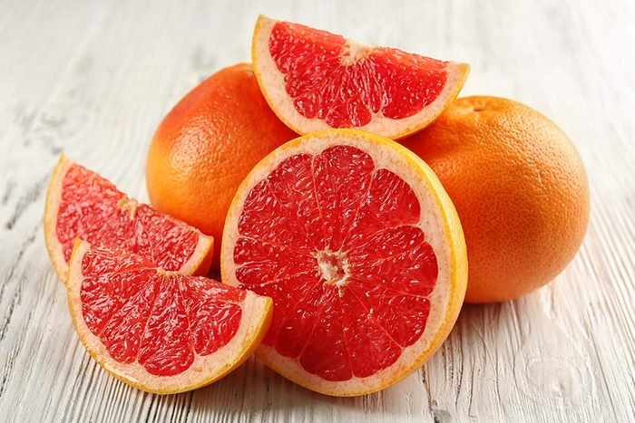 Whole grapefruit, grapefruit slices