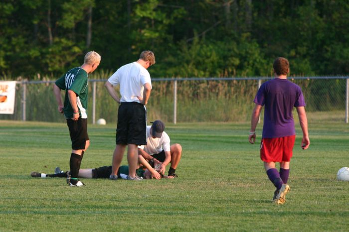 sports injury concussion on the field