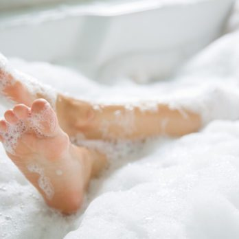 9 Common Feet Problems and Podiatrists' Simple Solutions