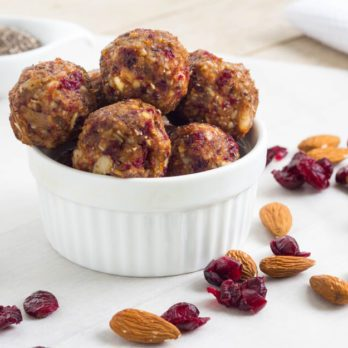 10 DIY Energy Balls That Are Downright Addictive
