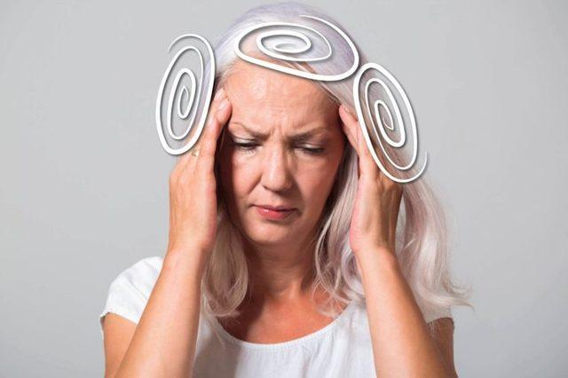 elderly woman with vertigo