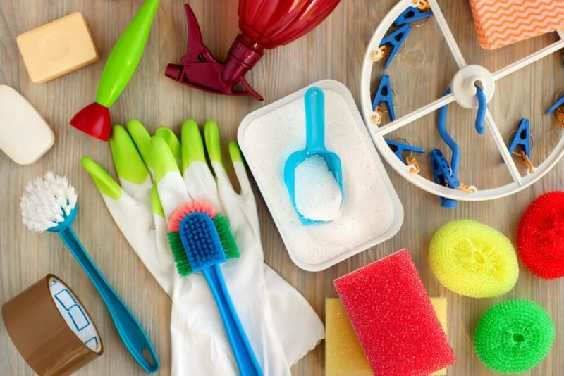 Spring-Cleaning: Here's How Many Calories You Burn During 15 Common Chores