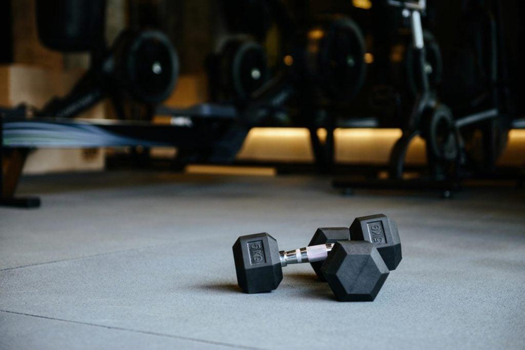 weights strength training brain health